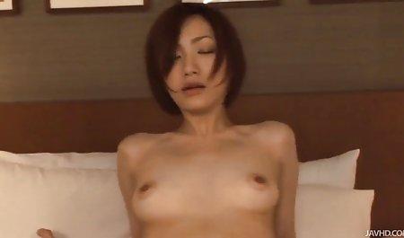 Beruntung tukang ledeng mendapat cum on forn vidio berambut terlihat seksi Fe
