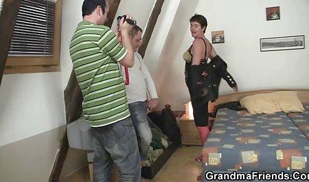 Kecantikan rides cock vidio porni