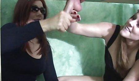 Ditumpuk Starlet video bokep wanita hamil latihan untuk bermain-main dengan Dildo sambil menjilati