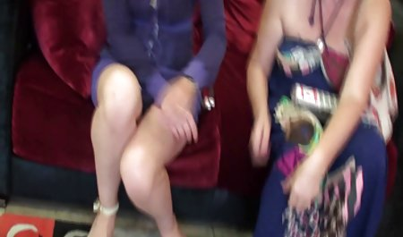 Indah vidio lorno pirang muda dengan wanita yang lebih tua.